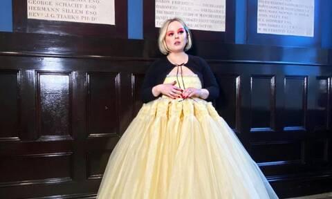 «Το χοντρό κορίτσι από το Bridgerton»: Σάλος με τις δηλώσεις για τη διάσημη ηθοποιό