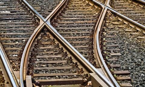 Τραγωδία με 9χρονη στη Ρωσία: Ο πατέρας της την έριξε κατά λάθος στις γραμμές του τρένου