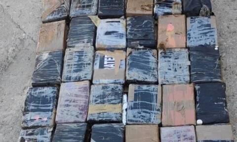 Βρήκαν ποσότητα - μαμούθ κοκαΐνης στον Πειραιά - Την έκρυβαν σε... μπανάνες