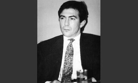 Αντώνης Περατικός: «Ο Κωστής, ο μεγάλος μου αδελφός, δεν μπόρεσε να αμυνθεί» από τη «17 Νοέμβρη»