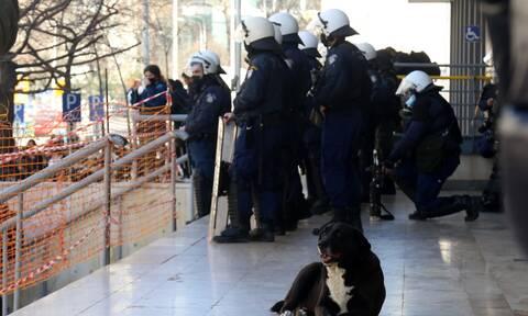 Θεσσαλονίκη: Επίθεση με μολότοφ κατά των ΜΑΤ