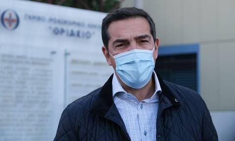 Τσίπρας στο Θριάσιο: Δραματική ξανά η κατάσταση μετά το αποτυχημένο lockdown