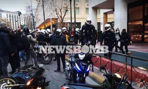 Επεισόδια στο κέντρο της Αθήνας στην πορεία για τον Κουφοντίνα (pics-vid)