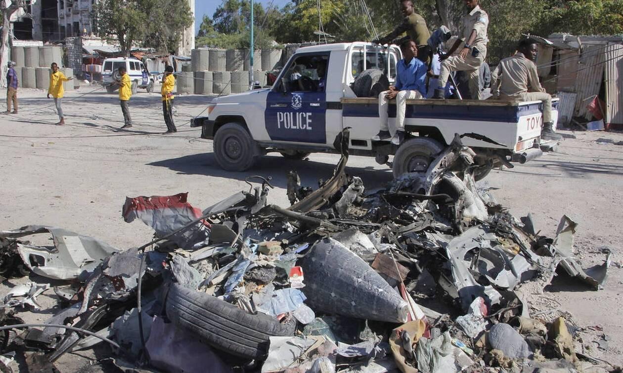 Τραγωδία στη Σομαλία: Είκοσι νεκροί από έκρηξη παγιδευμένου αυτοκινήτου έξω από εστιατόριο