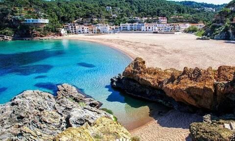 Στις 10 top μυστικές παραλίες της Ευρώπης βρίσκονται δύο ελληνικές