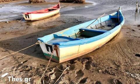 Άμπωτη: Υποχώρησαν τα νερά και στον Θερμαϊκό Κόλπο (pics)