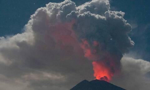 Ισημερινός: Νέφη τέφρας από το ηφαίστειο Σανγκάι πλήττουν πέντε επαρχίες