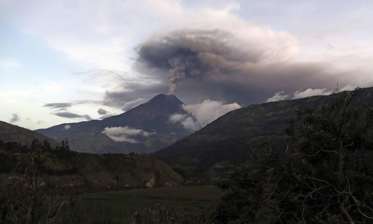 Ισημερινός: Σε λειτουργία το αεροδρόμιο της Γουαγιακίλ που είχε κλείσει λόγω ηφαιστειακής τέφρας