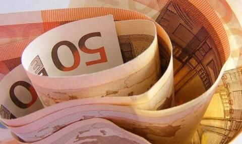«Βρέχει» λεφτά τις επόμενες μέρες: Πότε πληρώνονται επιδόματα, αναδρομικά και αποζημιώσεις