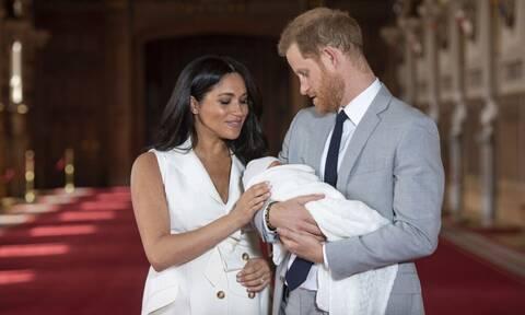 Πρίγκιπας Harry: Τι ομολόγησε για τον πατέρα του και ποια σπόντα δεν πρόσεξες
