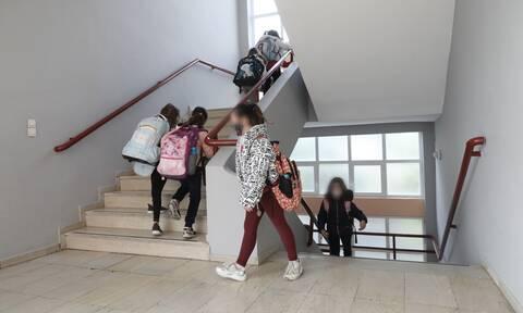 Σχολεία – Πελώνη : Στόχος να ανοίξουν Γυμνάσια – Λύκεια μέσα στον Μάρτιο