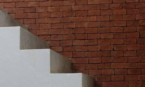 Μοιραία η πτώση από τις σκάλες για άντρα στην Ιεράπετρα