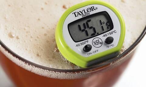 Μπίρα; Πώς πρέπει να την πίνεις; Με αφρό ή χωρίς;