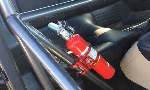 Tι πρέπει να έχεις πάντα στο αυτοκίνητο σύμφωνα με τον νόμο