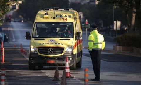 Απίστευτο ατύχημα στις Σέρρες: Αυτοκίνητο σφηνώθηκε σε κανάλι - Δύο τραυματίες