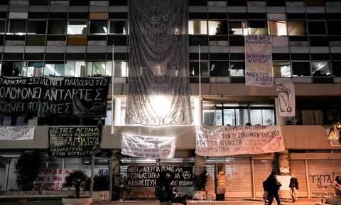 Θεσσαλονίκη: Μυρίζει «μπαρούτι» στο ΑΠΘ – Βίντεο - ντοκουμέντο από τα επεισόδια της Δευτέρας