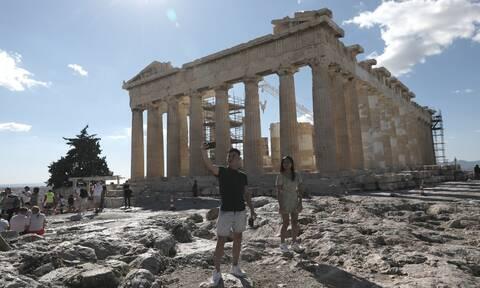 Τουρισμός - Θεοχάρης: Η Ελλάδα ανοίγει τις πύλες της 14 Μαΐου με σύνθημα «All you want is Greece»