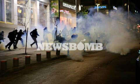 LIVE BLOG -Νέα Σμύρνη: Σοβαρά επεισόδια σε πορεία κατά της αστυνομικής βίας- Τραυματίες αστυνομικοί