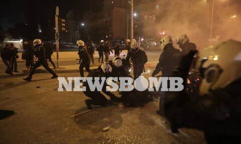 Επεισόδια Νέα Σμύρνη: ΣΥΡΙΖΑ - «Καταδικάζουμε απερίφραστα - Η βία δεν απαντιέται με βία»