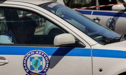 Ηράκλειο: Οικογένεια με… καλάσνικοφ συνελήφθη από τις Αρχές