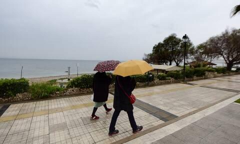Καιρός: Διήμερο κακοκαιρίας με βροχές και πτώση της θερμοκρασίας – Τι θα συμβεί την Καθαρά Δευτέρα