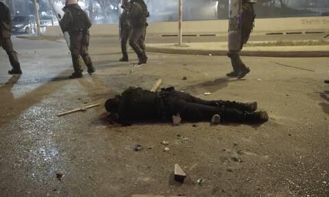 Νέα Σμύρνη: Τα τελευταία νέα για την υγεία του τραυματία αστυνομικού - «Προσπάθησα να σώσω το όπλο»