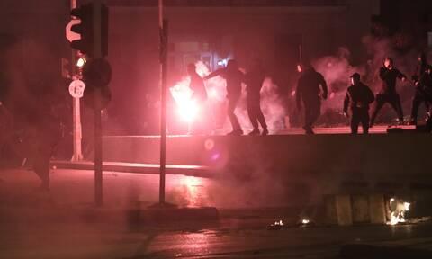 Νέα Σμύρνη: Μου φώναζαν «πουτ@@@ θα πεθάνεις» - Η κατάθεση σοκ του τραυματία αστυνομικού
