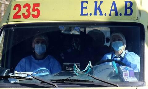 Ρεπορτάζ Newsbomb.gr: Αναμονή για ΜΕΘ στα γενικά περιστατικά - Διασωληνωμένοι ασθενείς σε θαλάμους