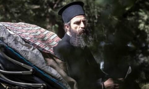 «Ο Άνθρωπος του Θεού» με τον Άρη Σερβετάλη: Δείτε το επίσημο τρέιλερ της ταινίας