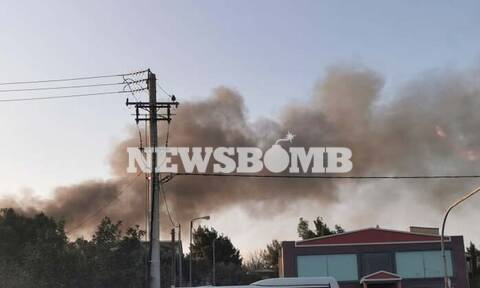 ΤΏΡΑ: Φωτιά σε παλιό εργοστάσιο στη Ραφήνα