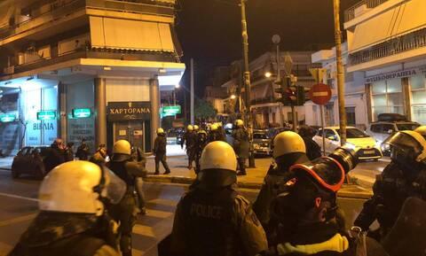 Νίκαια:  Βίντεο και φωτογραφίες από τα επεισόδια μετά την συγκέντρωση για την αστυνομική βία
