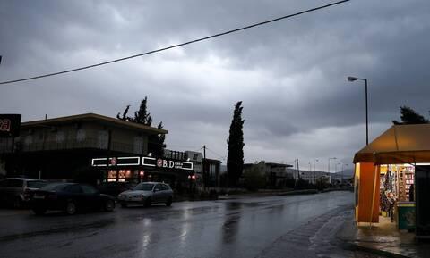Καιρός: Έρχονται βροχές και καταιγίδες – Ποιες περιοχές θα «ντυθούν» στα λευκά