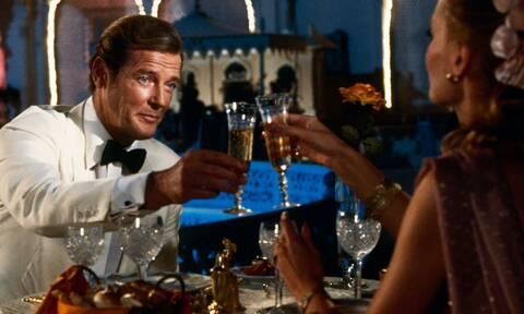 Τζέιμς Μποντ: Τι πίνει σε κάθε του ταινία;