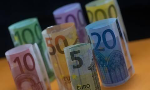 Επίδομα 534 ευρώ και Δώρο Χριστούγεννων: Ποιοι θα δουν χρήματα την Παρασκευή στους λογαριασμούς τους