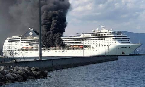 Φωτιά ΤΩΡΑ: Φλέγεται κρουαζιερόπλοιο στο λιμάνι της Κέρκυρας - ΔΕΙΤΕ LIVE