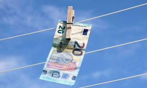 ΑΑΔΕ: Όργιο φοροδιαφυγής - «Θησαύριζε» κομμωτήριο - Γιατρός έκρυβε... εκατομμύρια