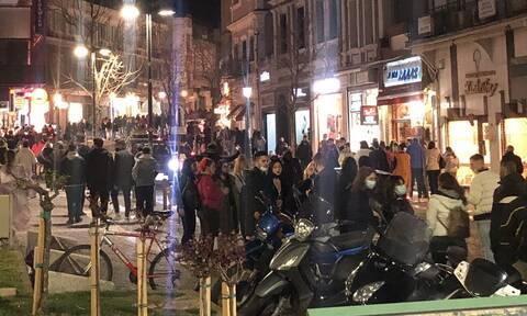 Ξάνθη: Στους δρόμους καρναβαλιστές και την Κυριακή παρά τον κίνδυνο υγειονομικής «βόμβας»