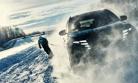 Η Hyundai το «διασκεδάζει» στα χιόνια