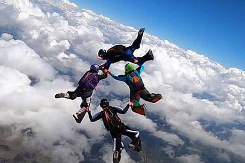 0 Man dies in horror skydiving accident after his parachute fails to open