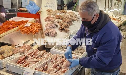 Καθαρά Δευτέρα: Πόσο κοστίζει το σαρακοστιανό τραπέζι - Οι τιμές του χαλβά και των θαλασσινών