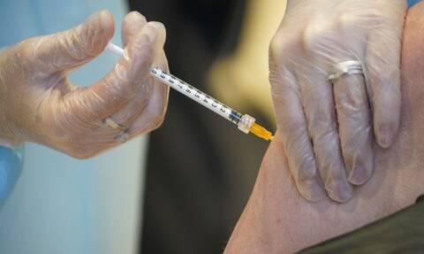 Εμβόλιο AstraZeneca: «Ιδιαίτερα ασυνήθιστα» συμπτώματα εμφάνισε ασθενής που πέθανε από θρόμβωση