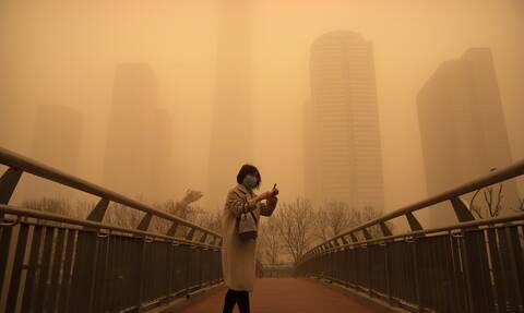 Πεκίνο: Σκηνές Αποκάλυψης από αμμοθύελλα- «Μοιάζει με το τέλος του κόσμου» λένε οι κάτοικοι