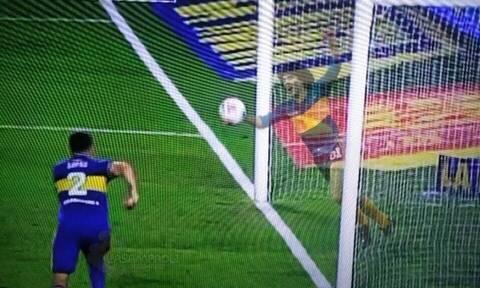 Ανατριχιαστικό! Το... πνεύμα του Μαραντόνα έδιωξε τη μπάλα στη γραμμή κι έσωσε την Μπόκα (pics+vid)