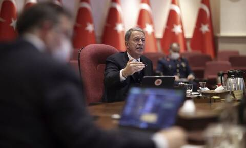 Εριστικός Ακάρ: Εγκαλεί την Ελλάδα αλλά την ίδια ώρα... φοβερίζει με τον τουρκικό στρατό!