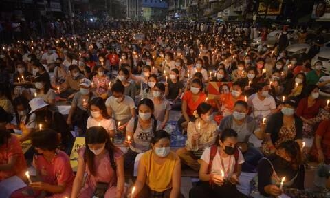 ΟΗΕ για Μιανμάρ: Τουλάχιστον 138 διαδηλωτές έχουν σκοτωθεί μετά το πραξικόπημα στη Μιανμάρ