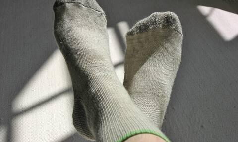 Γιατί τα πόδια σου είναι συνέχεια παγωμένα ακόμα και με κάλτσες;