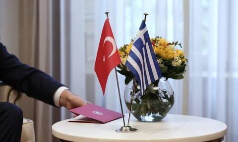 Διερευνητικές Ελλάδας - Τουρκίας: Το παιχνίδι του «μουτζούρη» και το προσφυγικό