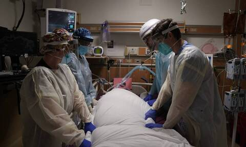 Κορονοϊός: Τα τέσσερα υποκείμενα νοσήματα που αυξάνουν τον κίνδυνο σοβαρής νόσου