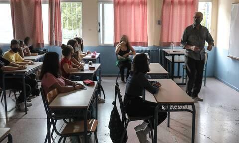 Ρεπορτάζ Newsbomb.gr - Σχολεία: Όλα ανοιχτά για παράταση του σχολικού έτους
