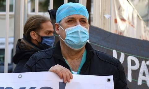 ΟΕΝΓΕ: Το ΕΣΥ στο χείλος της κατάρρευσης – Συλλαλητήριο για την υγεία το απόγευμα στο Σύνταγμα